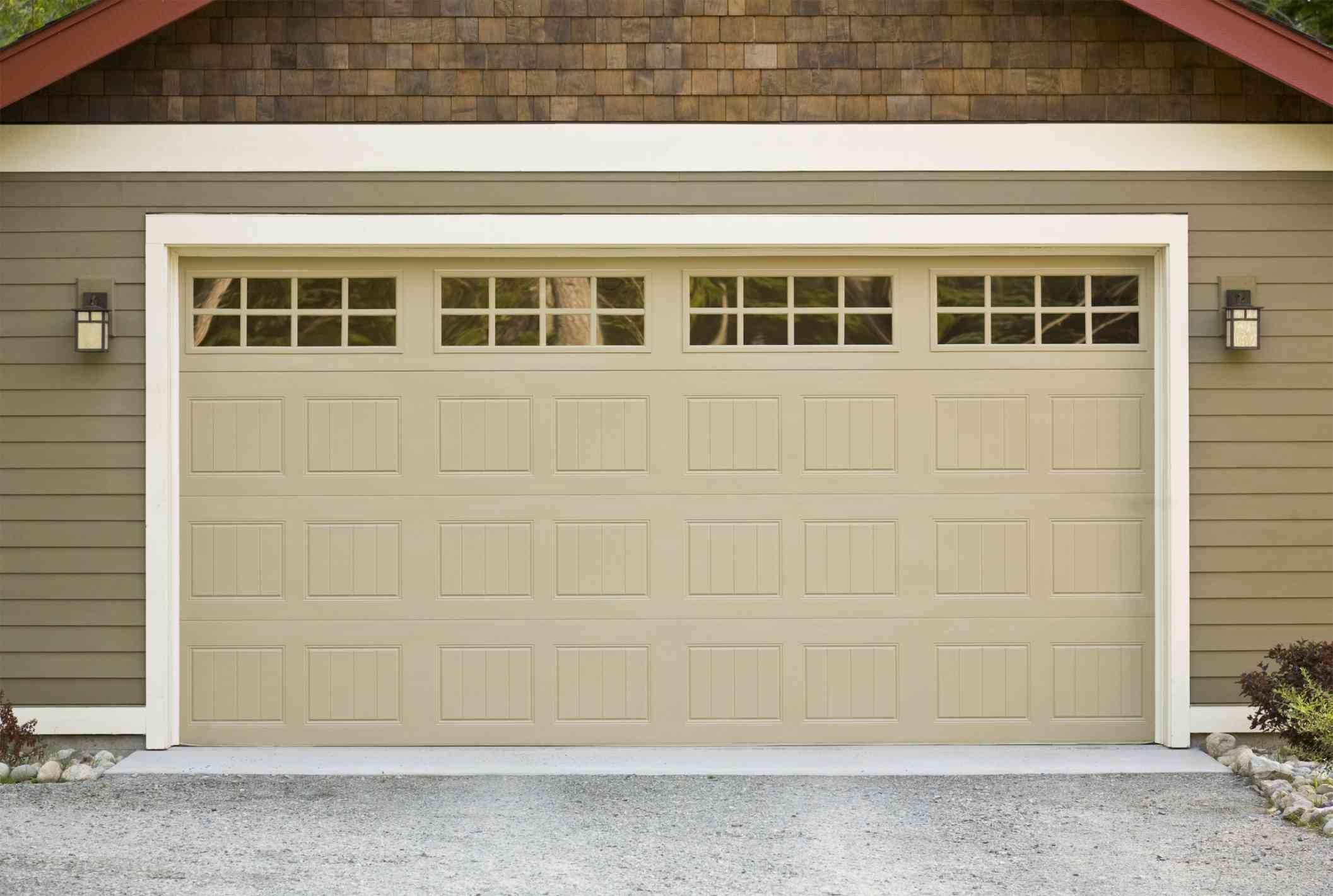 Is it Safe to Repair Your Faulty Garage Door Yourself?