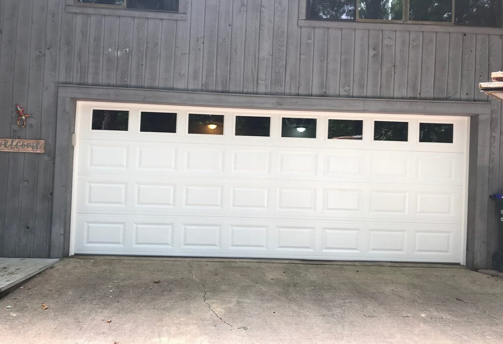 Buying a New Garage Door? Here's What You Need to Know