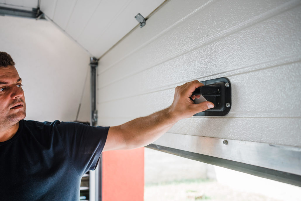 Contact a Contactor if Your Garage Door Have any of These Problems